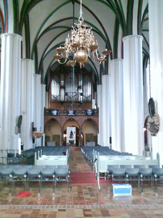 Kirchenschiff, Blick zur Orgel, vor der Modernisierung / interior view to the organ, prior renovation