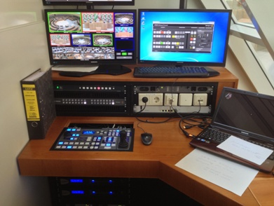 Videoregie des Plenarsaals / video control booth of the main assembly hall